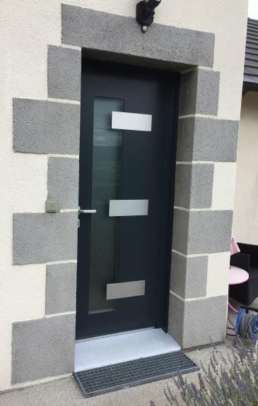 porte d'entrée noir